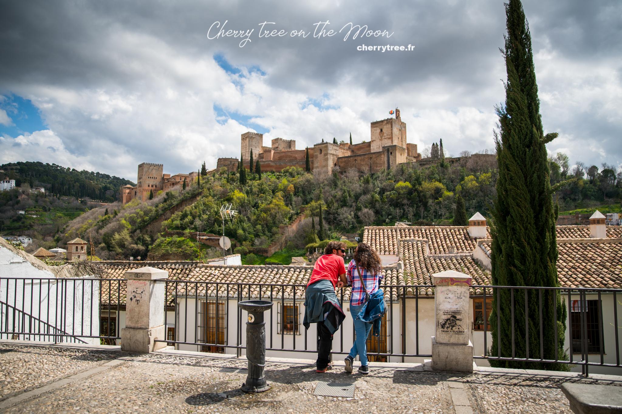Vừa đi lạc, vừa ngắm Alhambra từ phía Albayzin